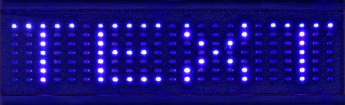 LED-Display-Laufschrift-LED-Uhrzeit-Anzeige-batteriebetrieben-Led-Uhr-Leuchtet