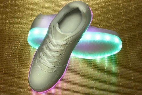 Dettagli su LED Scarpe Sneaker Germania leuchtschuhe Sneaker Bianco leuchtsohle Fashion Nuovo mostra il titolo originale